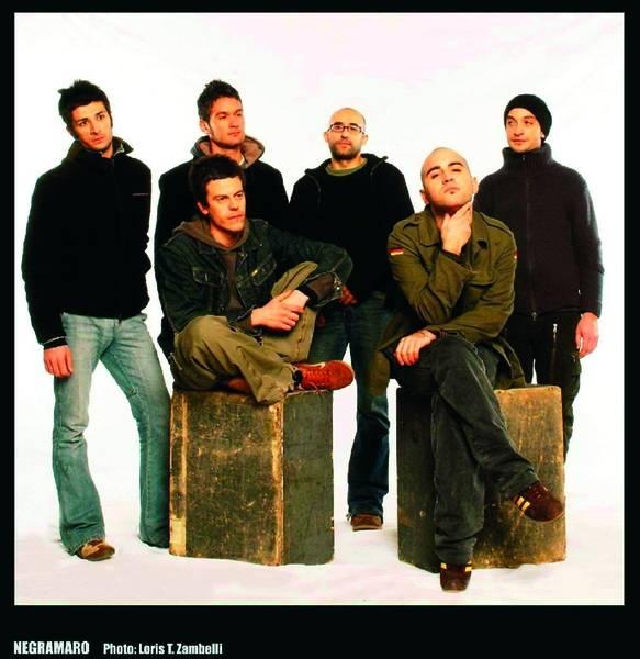 Negramaro la finestra tour 2008 25 novembre trapani 26 - La finestra album ...